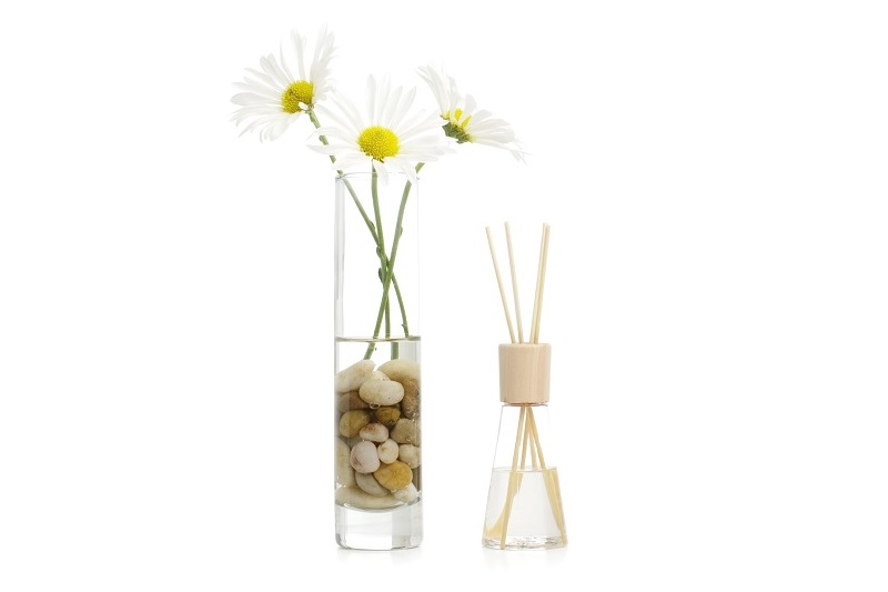 Reed diffuser and flowers