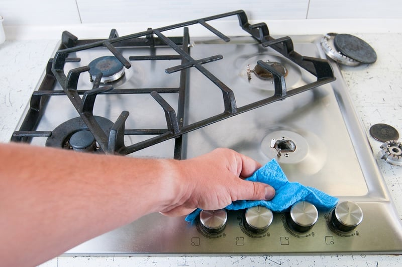 Cleaning gas hob