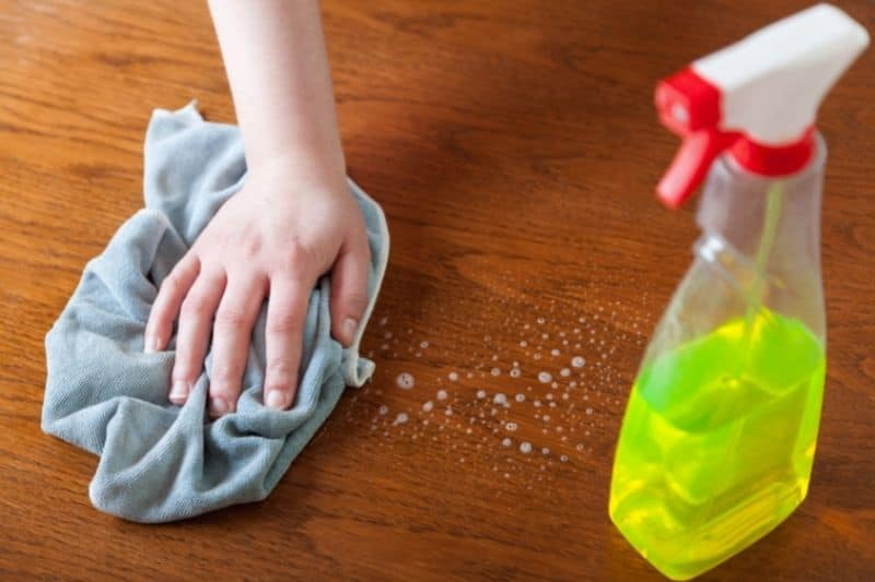 Cleaning Wood Floor with Washing-up Liquid