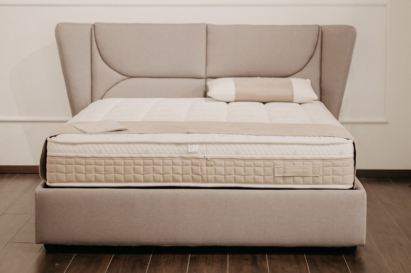 Memory foam bed and pillow