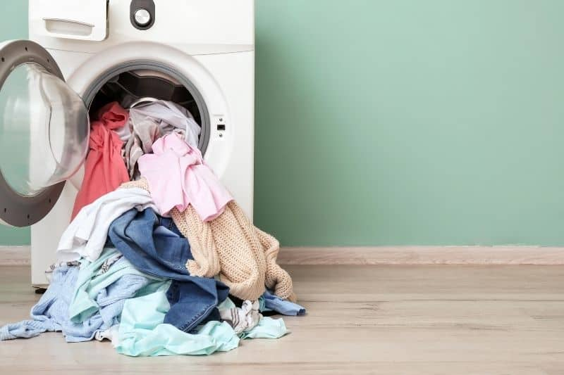 Too Much Clothes on Washing Machine