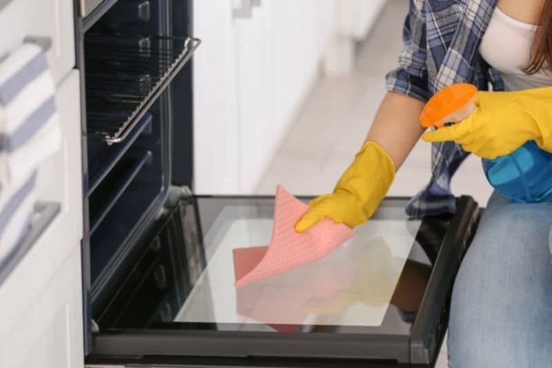 Fan-Assisted Oven Cleaning Methods
