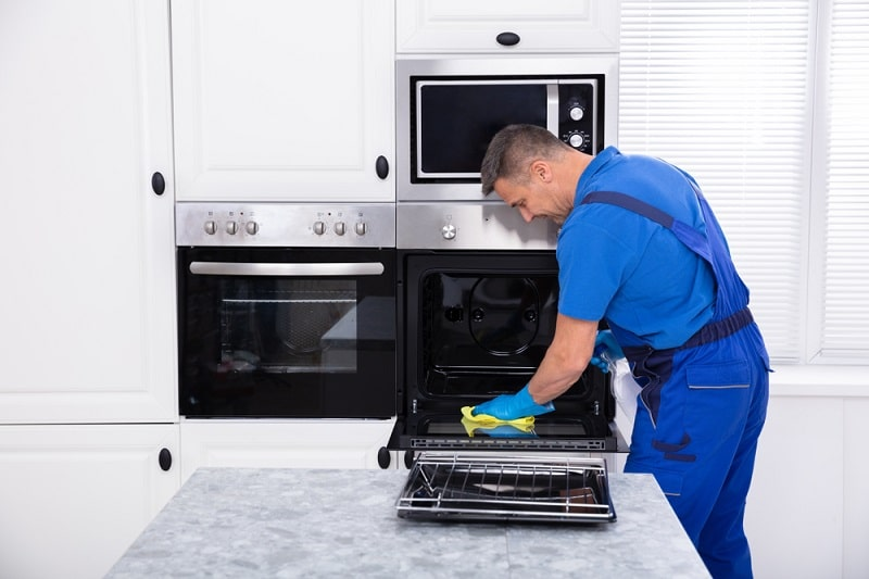 man from oven cleaning services